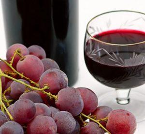 Днес празнуваме виното и любовта