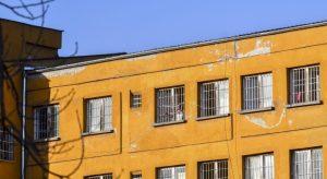Телефони, лекарства и забранени предмети са открити при обиск в килиите на Митьо Очите и Миню Стайков