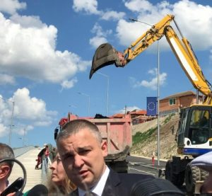Кметът на Варна: Събаряме незаконните обекти в Максуда!