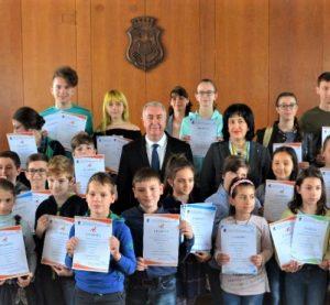 Наградиха най-добрите млади математици в област Видин