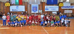 """Наградиха победителите в шестият """"Детски футболен турнир на малки  вратички""""в град Видин"""