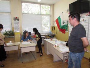 Пълен абсурд! Русенец отиде да гласува – оказа се, че вече го бил направил /ВИДЕО/