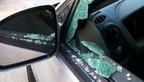 Мъж разбил  автомобил и откраднал вещи от него, край Видин