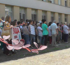 Oт днес медицинските специалисти от Видин минаха в ефективен протест (видео)