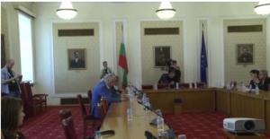 Стойнев след срещата с ДПС: Целта е опозицията да бъде ликвидирана