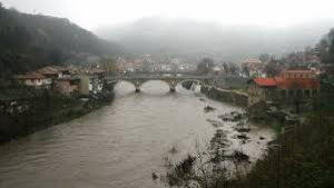 Река Янтра излезе от коритото си във Велико Търново