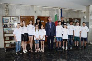 Огнян Ценков изпрати малките футболисти от спортното училище за социална интеграция за Унгария