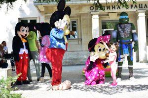 """Във Враца се проведе детският празник  """"Усмивка"""""""