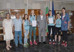 """Видинският кмет поздрави кадетките от  Волейболен клуб """"Бдин-Вида"""" за спечеления бронз"""