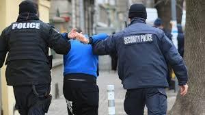 Задържаха двама, пребили дядо за 130 лева във врачанско село