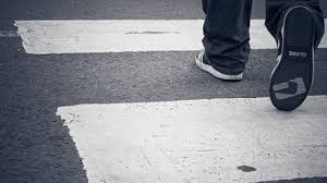 Кола помете дете на пешеходна пътека във Варна