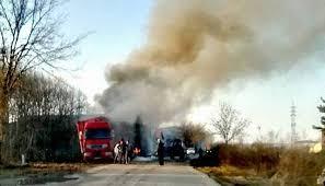 Лекотоварен автомобил се запали в село Синаговци