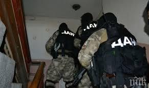 Спецпрокуратура, ДАНС и полицията разследват група за данъчни престъпления в три града