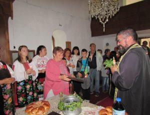 "Празничен курбан в храм ""Успение на Пресвета Богородица"" в село Салаш (Снимки)"