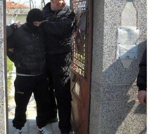 Крадец се промъкнал във видинска къща, охранители го заловили