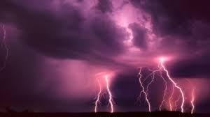 Мощни бури удариха три града, на места имало и градушка