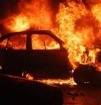 Пожар изпепели автомобил във врачанско и подпали втори