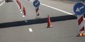 До 17.00 часа движението по път  Мездра – Ботевград ще се осъществява в една лента поради ремонтни дейности