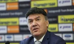 Михайлов няма да подава оставка
