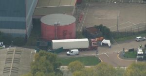 Откриха 39 тела в камион във Великобритания, вероятно е български (Снимки/Видео)