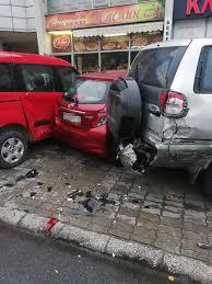 Пиян шофьор помете шест паркирани коли