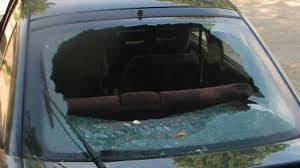 Изпотрошиха кола във Видин