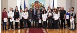 Отличничка от Видин е със стипендия от президента Румен Радев