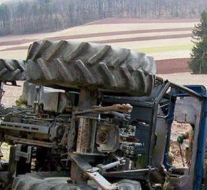 Видинчанин самокатастрофирал с краден трактор, след което си гепил и мотопед