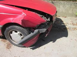 Пиян водач блъснал лек автомобил на заден ход в Лом