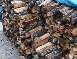 Хванаха видинчанка с незаконни дърва в дома й