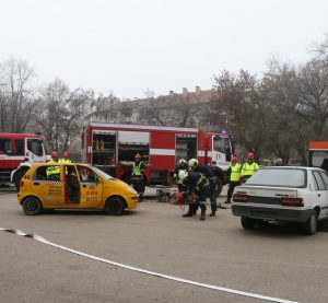 Действията на службите при ПТП във Видин (Снимки)