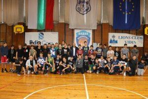 Наградиха участниците в коледен баскетболен турнир във Видин (Снимки)