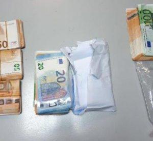 Митнически служители откриха 23 000 евро в специално изработен тайник в лек автомобил