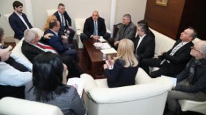Превозвачите се договориха с Борисов, ясно е и кога влиза в сила тол системата