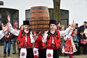 С песни и народни хора, Враца празнува Трифон Зарезан