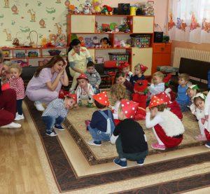 """Празник за Баба марта в ДЯ """"Слънчев кът"""" (СНИМКИ)"""
