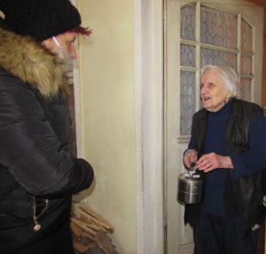 Патронажът в Белоградчик продължава да доставя храна до всички потребители на комплексни услуги без промяна в графика и менюто си