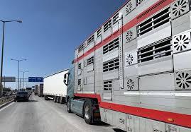 Натоварен трафик на три гранични пункта в страната