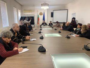 Във Враца проучват варианти за дистанционно обучение на учениците от I до XII клас при необходимост