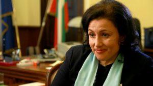 Земеделският министър призова търговските вериги да продават стоки от български производители.
