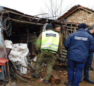 """Полицейски и горски служители установиха незаконни дърва във видинския кв. """"Нов път"""""""
