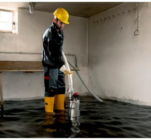 Проливните дъждове наводнили приземния етаж на спешния център във Видин и сутерен на къща в село Арчар