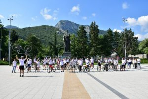 """Над 50 младежи във Враца участваха във велопохода """"Животът е безценен, не го заменяй за дрога""""(Снимки)"""