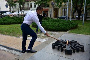 Запалиха вечния огън във Враца в памет на Христо Ботев