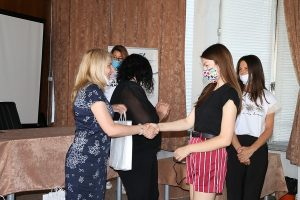 Заместник-кметът Цветомира Илиева връчи награди на участниците в международен проект