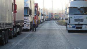 Натоварен трафик на Дунав мост 2