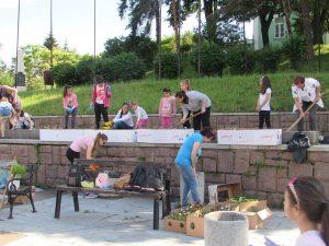 Деца за пример във Видинско, озеленяват за едно по-красиво място за живеене