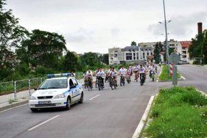 """Ученици от Враца казват """"Не на наркотиците"""" с велопоход"""