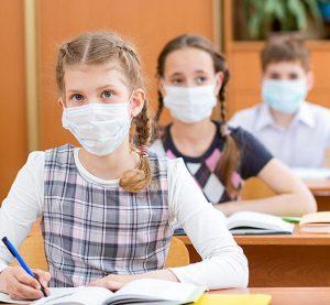 Директори на училища поискаха спешна среща с МОН заради глоби, свързани с Covid-19