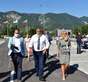 """Премиерът Борисов на работно посещение във Враца, ще бъдат осигурени средства за ремонта на бул. """"Европа"""" (Видео+Снимки)"""